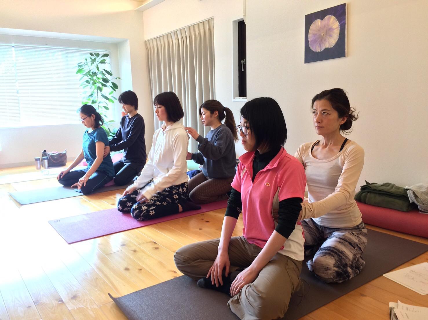 Hot Yoga Studio rcu(ホットヨガスタジオリチュ) - 10/22スタート初心者からのヨガ養成25時間 平日開催です。の写真2