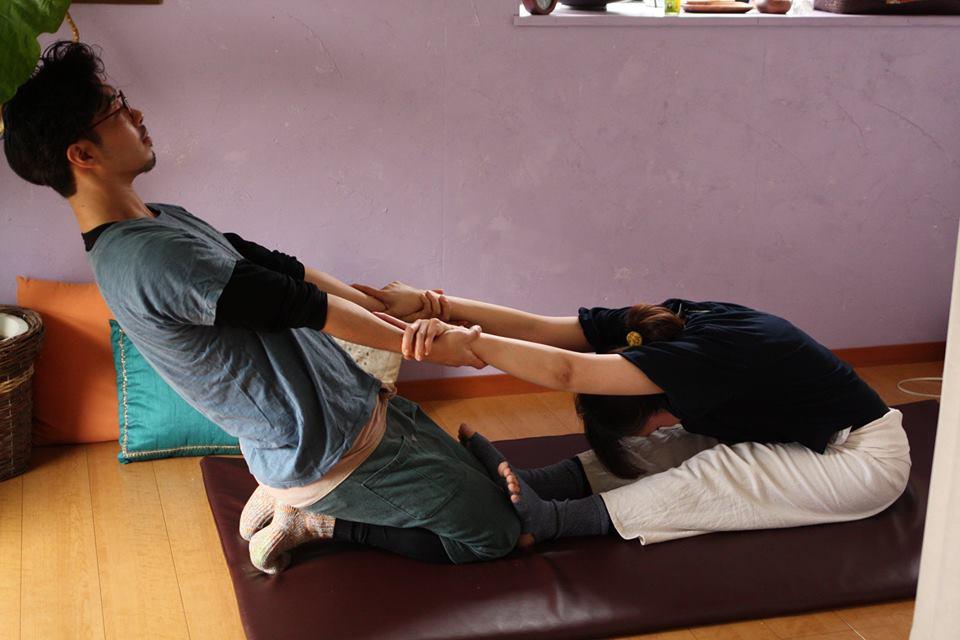 kSaNa Yoga School 横浜たまプラーザ ヨガスタジオ・ヨガシャラ - タイヨガマッサージWS〜ペアワークだからこその伸びと心地よさを味わう〜の写真1