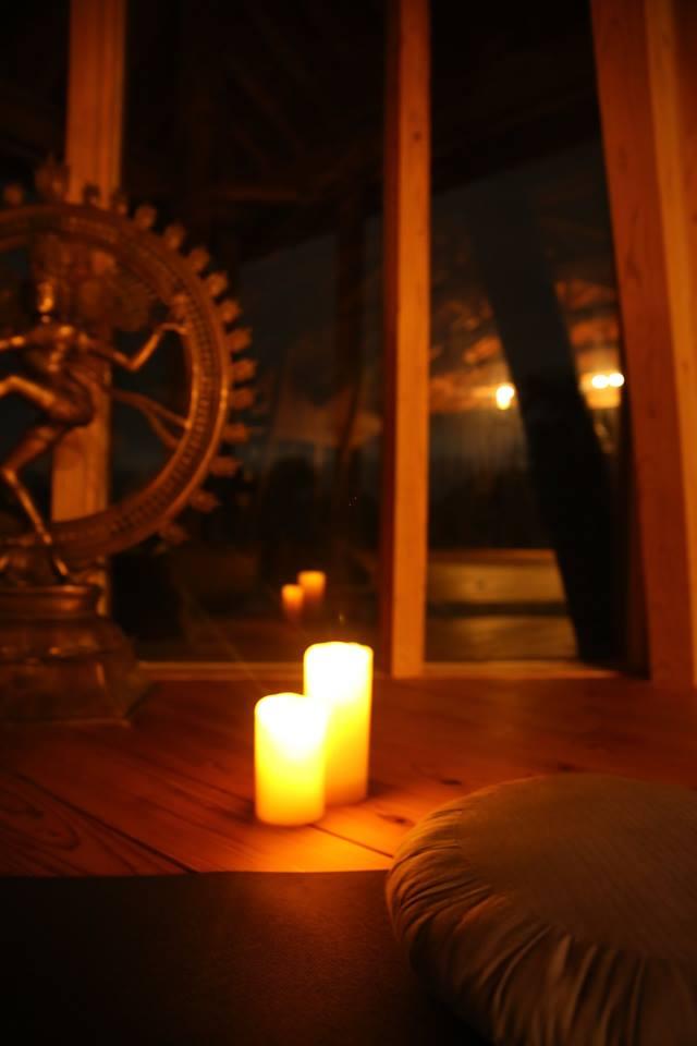 kSaNa Yoga School 横浜たまプラーザ ヨガスタジオ・ヨガシャラ - PRATYAHARA(プラティヤハーラ:制感)ワークショップの写真1