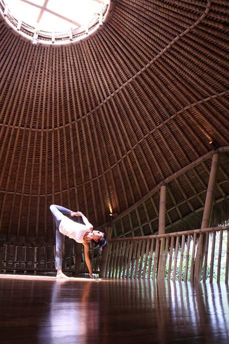 kSaNa Yoga School 横浜たまプラーザ ヨガスタジオ・ヨガシャラ - アドヴァンスクラスWSアルダチャンドラーサナ�【バランス】の写真1