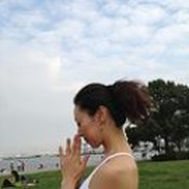 PRAMANA yoga&pilates studio - 子宮美人ヨガ〜PMS対策や女性ホルモンのバランス改善にも効果的〜の写真1