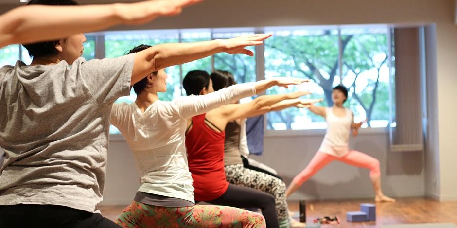 スタジオ・ヨギー福岡天神 - 【スクール】追加開催・8月スタート!ヨガを基礎から学べる「ベーシックトレーニングコース」の写真1