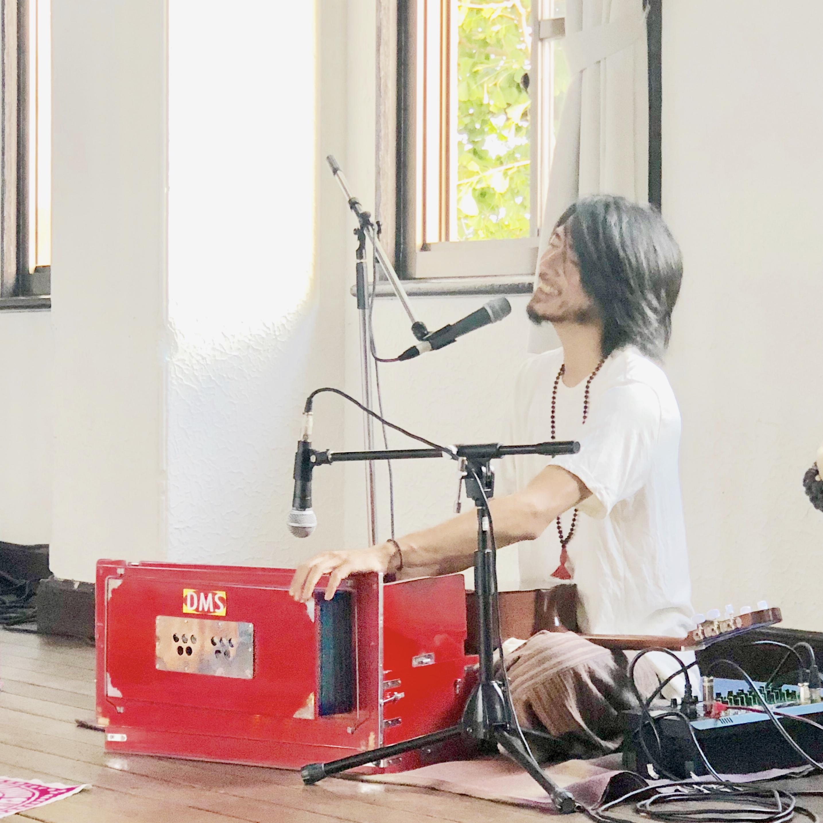 Biotope Yoga Studio 【ビオトープヨガスタジオ】 - うたう♪ヨーガ 堀田義樹 KIRTANの写真3