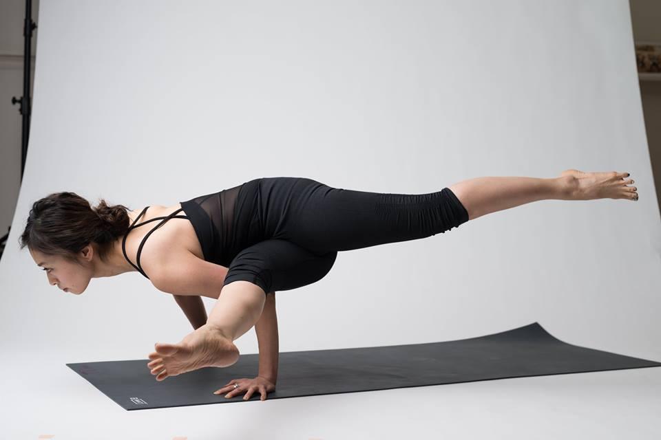 """Biotope Yoga Studio 【ビオトープヨガスタジオ】 - 前屈しよう!丸まってみてわかること ・新しい身体の歴史作りws """"yogahour""""  〜コンパス持ってyogaの旅へ〜の写真3"""