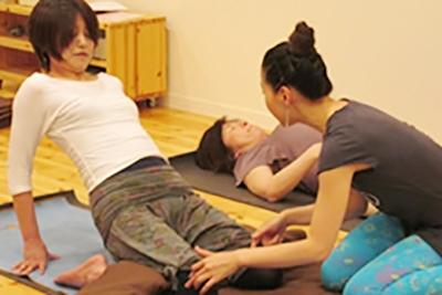 スタジオ・ヨギー新宿WEST/yoggy institute main school - 【ヨガ・ワークショップ】 〜慣れてきたら見直したい20ポーズ〜 【トレーニング必須】ポーズのコツの写真1