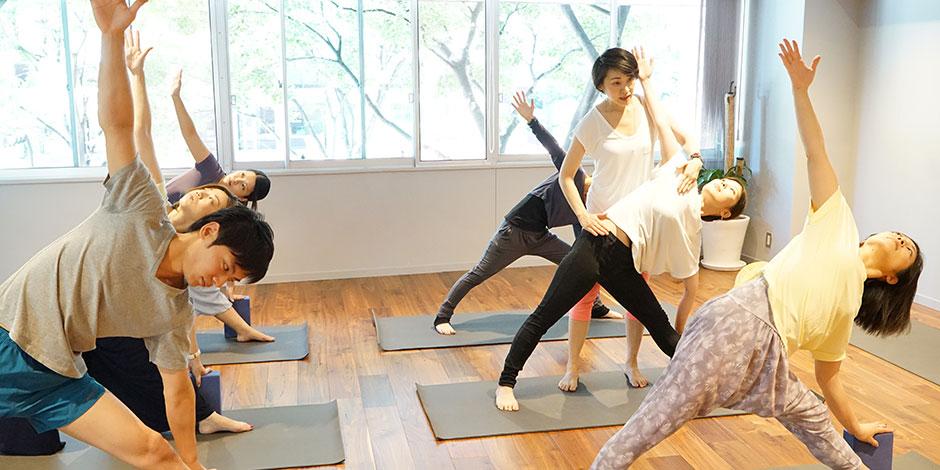 スタジオ・ヨギー新宿WEST/yoggy institute main school - 【ヨガ・トレーニング】ベーシック・トレーニングコースの写真1