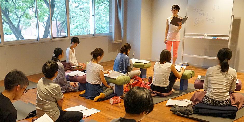 スタジオ・ヨギー新宿WEST/yoggy institute main school - 【ヨガ・トレーニング】ティーチャー・トレーニングコース(TTC36)の写真1