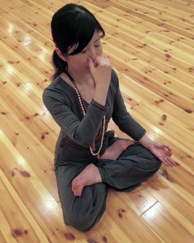 スタジオ・ヨギー新宿WEST/yoggy institute main school - 【ヨガ・トレーニング】呼吸法ベーシックコースの写真1
