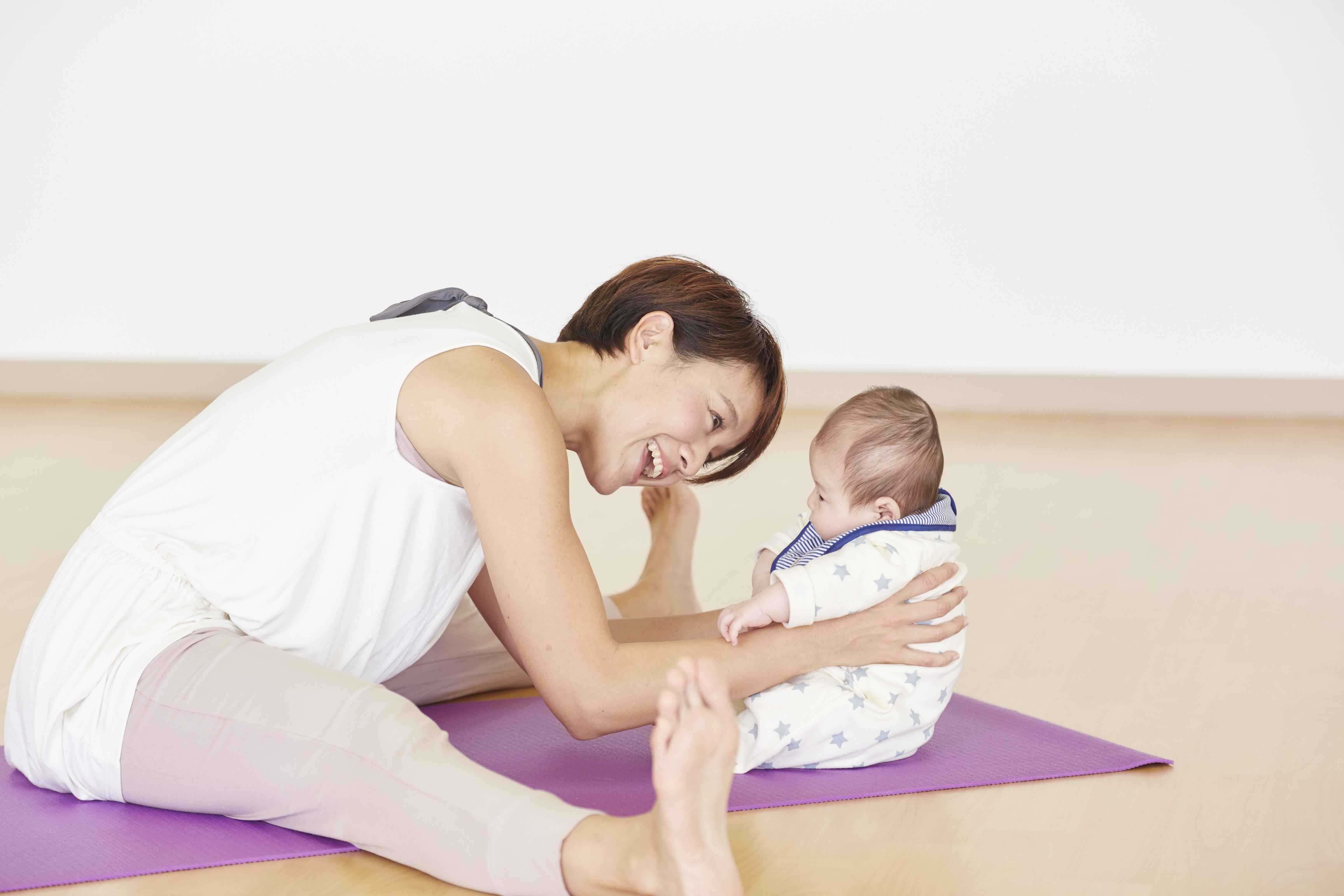 ドゥミルネサンス目黒 - 産後ママのためのヨガ&フィットネス「ママ&ベビー会員」の写真1