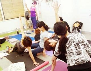 arati ヨガ&健康コンサルティング